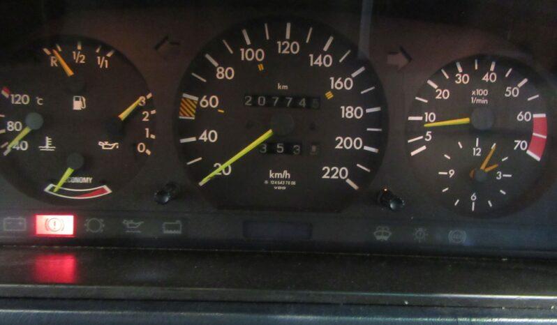 Mercedes-Benz E-Klasse E 230 lleno