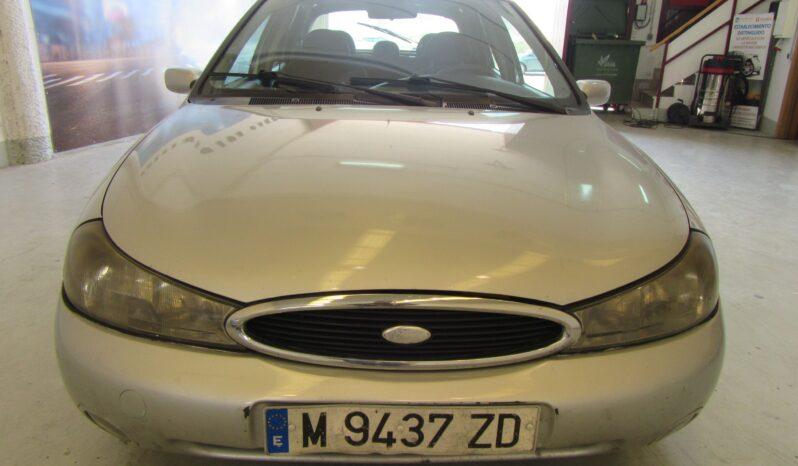 Ford Mondeo 2.0 Ambiente lleno