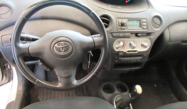 Toyota Yaris 1.3 VVT-i Expo lleno
